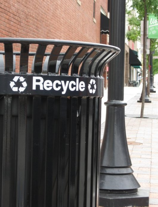 Image of a Downtown Lee's Summit recycling bin.